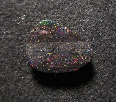 Black Matrix Opal aus Honduras Multicolour 31,35 ct