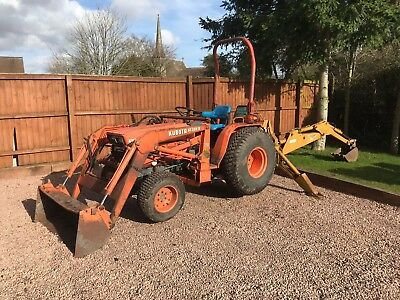 Kubota B8200 Compact Tractor Mini Digger Jcb Back Actor Loader
