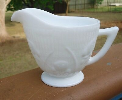 Lovely Vintage Jeannette White Milk Glass 200ml Jug *Iris & Herringbone Pattern