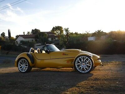 1999 Panoz Roadster AIV Surface to Surface American Torpedo 1999 PANOZ ROADSTER AIV YELLOW ONE of a KIND AMERICAN Surface to Surface TORPEDO