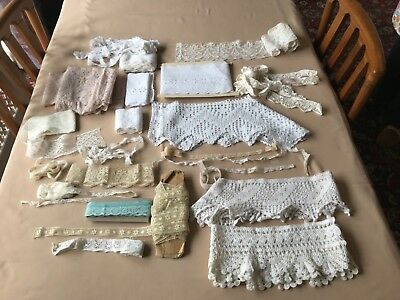 A collection of over 20 pieces of vintage lace