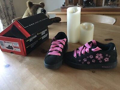 @ Heelys size 2 with box VGC -beautiful cherry blossom, suede @