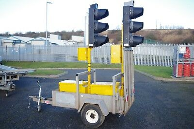 Pair of Hollco Radioconnect Traffic Lights with Trailer