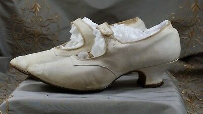 ANTIQUE White LEATHER Shoes Women MILES FIFTH AVENUE French Court Shoes w/Button