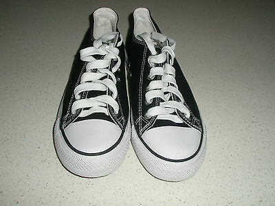 Unisex canvas black and white sneakers men's size US9 women's size US10.5
