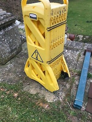 Portable-Expandable Mobile Barrier Yellow 9S11