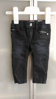 Jeans Tommy Hilfiger taille 9 mois NEUF