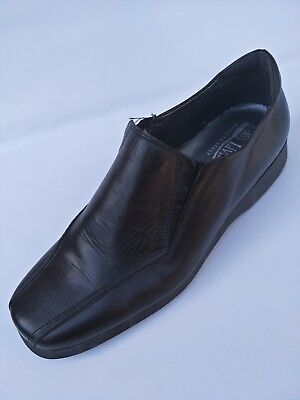 NEW EASY LIVING Made in Italy Size 40/9 black leather low wedges heels shoes