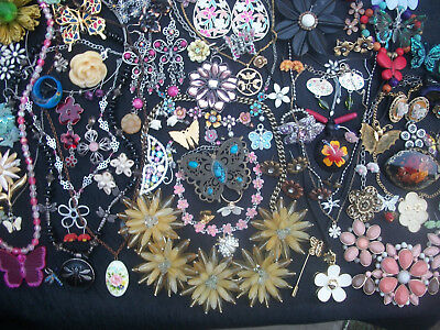 Lot Of Vintage/now Costume Jewlery Feminine Floral Pieces W/butterflies Spring