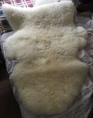 Super Soft Genuine NZ Sheepskin Rug / Chair seat cover / Baby Rug - Used VGC