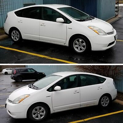 Toyota: Prius Fully Loaded top model 2006 old by original owner, amazing on gas usage, become a Prius owner!