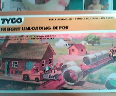 #35 Fully Built, Automatic HO FREIGHT UNLOADING DEPOT REMOTE CONTROL