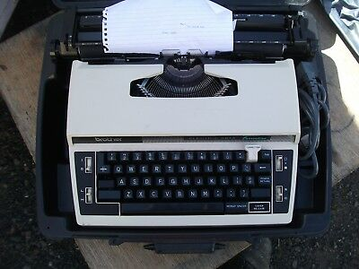 typewriter brother electric correction mdl5613 with carry case.