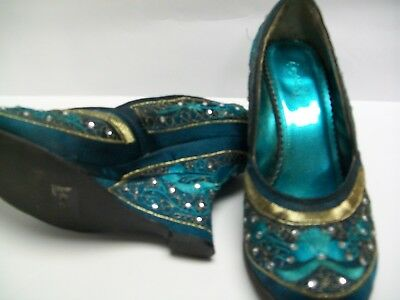 Qupid - Beautiful Vintage Aqua-Teal Harem Genie 2.5 in. Heels Apx. SZ 8.5 or 9