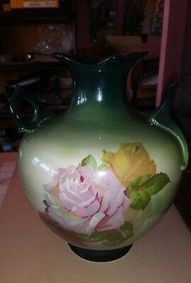 VINTAGE IOGA WARWICK PORCELAIN VASE CENTERPIECE beautiful Green Tones