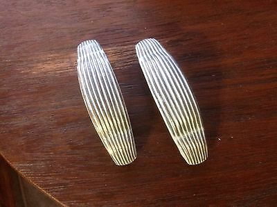 215 VTG Art Deco Handle In A White Distress  Set Of 2