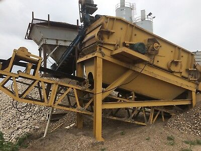 CONVEYOR 25 FT long with 30 in belt, screw, shaker, rock screen, washing  system