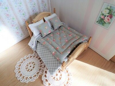 Miniature 1/12th scale dolls house BEDDING SET double bed Grey/pink Eiderdown
