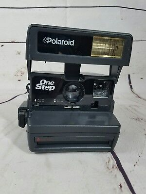 Polaroid One Step Close Up Instant Camera uses 600 Film - Tested - Working