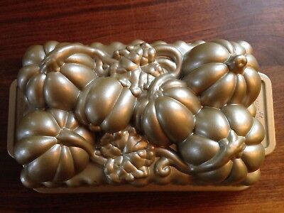 ~Nordic Ware~ USA Pumpkin Patch Loaf Pan