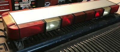 Whelen 9m strobe light bar power distribution board used tested whelen 9m strobehalogen light bar loaded used see pics tested working aloadofball Gallery