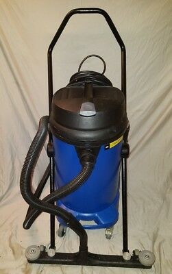 Windsor Recover 12 Wet/Dry Vacuum w/ Front Mounted Squeegee Windsor Vacuum