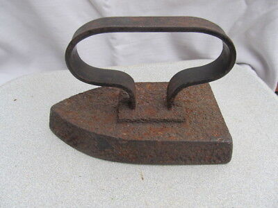 RARE ANTIQUE PRIMITIVE  CLOTHES IRON COAL WOODEN HANDLE VERY OLD XVIII centurу