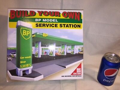 """1995 * New in Box * BP """"Build Your Own Service Station"""""""