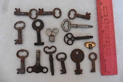 Lot of Keys skeleton Key vintage & antique hollow barrel clock trunks pad lock +