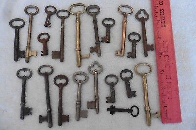 Lot of Keys skeleton Key vintage & antique hollow barrel yale towne brass lock +