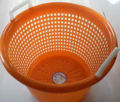 XFS05FA9002 Polyethylene Fish Shrimp Basket Orange 14036