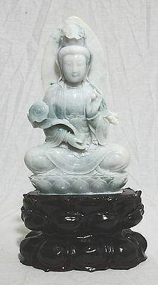 Well  Hand  Carved  Chinese  Seated  Jadeite  Kwan-Yin  Figure