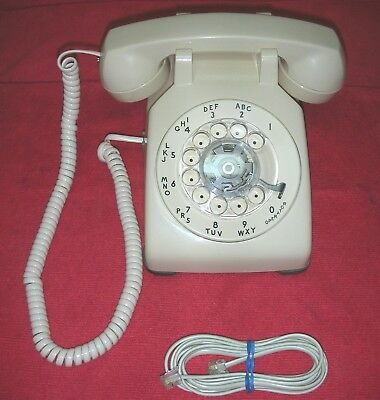 Nice WESTERN ELECTRIC Cream Rotary Dial Telephone 500 DM 10/80 Desk BELL SYSTEM
