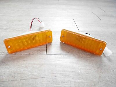 FRONT BUMPER LAMPS LIGHTS INDICATOR for TOYOTA HILUX 1984-88 LN50 LN56 LN60 PAIR
