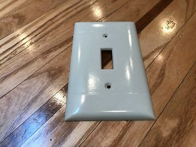 Vintage Sierra Ul (P-1) Ivory Smooth (2 Lines) Single Switch Plate Cover / Deco