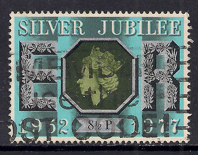 GB 1977 QE2 8 1/2p Silver Jubilee Used Stamp SG 1033.( M854 )