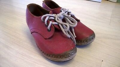 "Vintage CHILD'S PAIR OF RED CLOGS : Leather uppers - 7.5"" long"