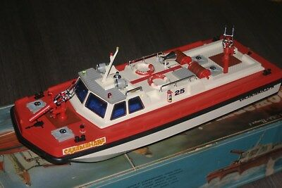 Vintage fire boat Salamandra ussr 50 cm (about 20 inch) long 80th