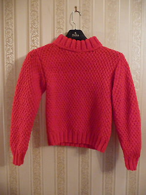 NEW !!!  Hand knitted sweater for a child (see dimensions below). Acrylic. Red.