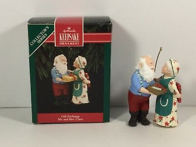 Hallmark Ornament 1992 Gift Exchange Mr. and Mrs. Claus 7th in Series