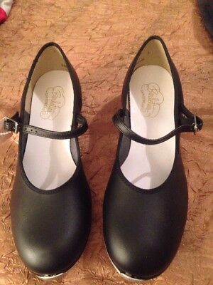Girl's Black Tap Shoes Size 5 1/2