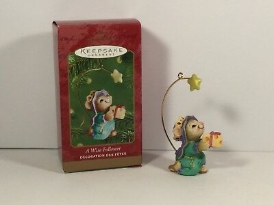 Hallmark Ornament 2001 A Wise Follower Mouse With Gift of Cheese Following Star