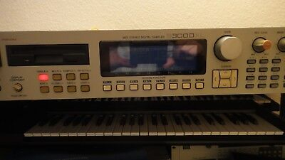 Akai S3000XL Sampler 32MB OS 1.5
