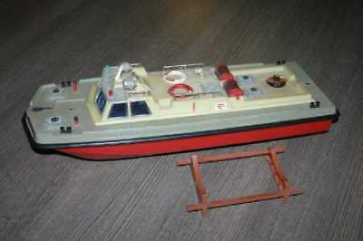 Vintage fire boat Salamandra ussr 50 cm (about 20 inch) long many losses