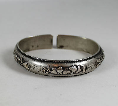 SIGNED, CHINESE SILVER REPOUSSE BRACELET CUFF, 19C or EARLIER,  38.3 GMS.
