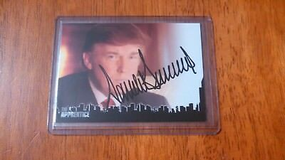 2005 President Donald Trump The Apprentice signed Authentic Autograph Card DT1