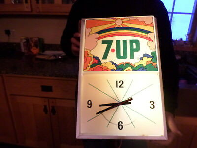 vintage lighted 7up clock