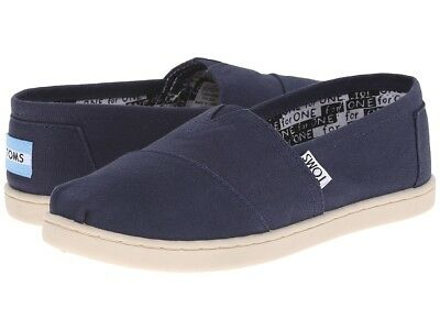 2ae6643c TOMS CLASSIC NAVY For Girls And Youth Size 11 to 7 New In Box 100 ...