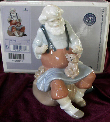 Lladro #6774 SANTA'S MAGIC TOUCH from Santa's Magical Workshop Collection
