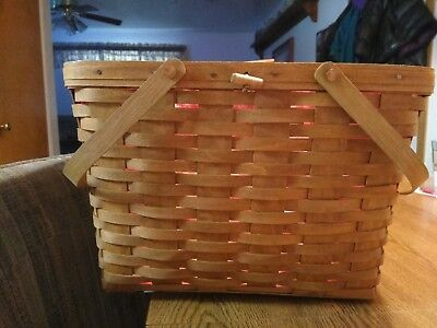 1987 Large Longaberger picnic basket, never used, taken out of box for pictures.